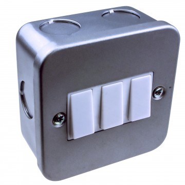 Single Gang Metal Clad Steel UK 3 Way Switch with Cable Entry Points