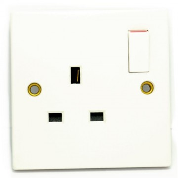 13A Single Plug UK Home Indoor Mains Socket 1 Gang Switched WHITE